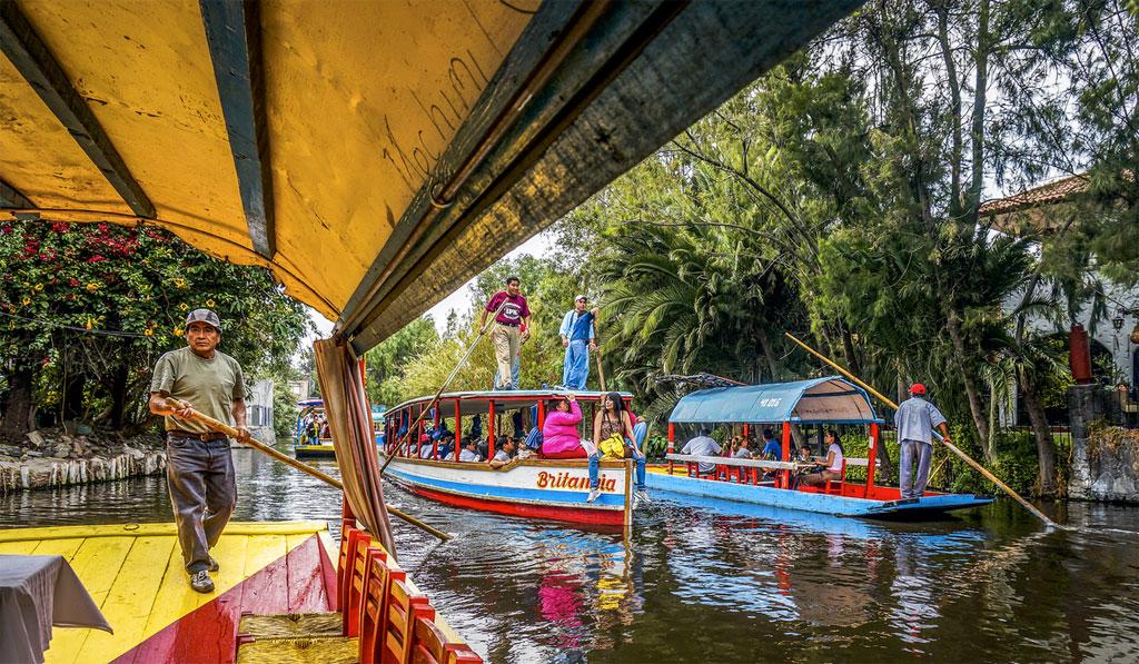 Visiter les jardins de fleurs de xochimilco horaires for Jardin xochimilco